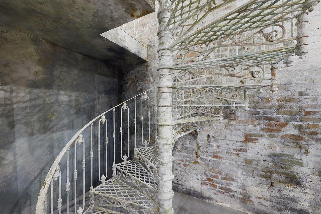 фотостудия с лестницей спб дальнейшем уже