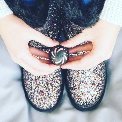 Новинки EOS Shimmer lip balm Pearl - Жемчужный
