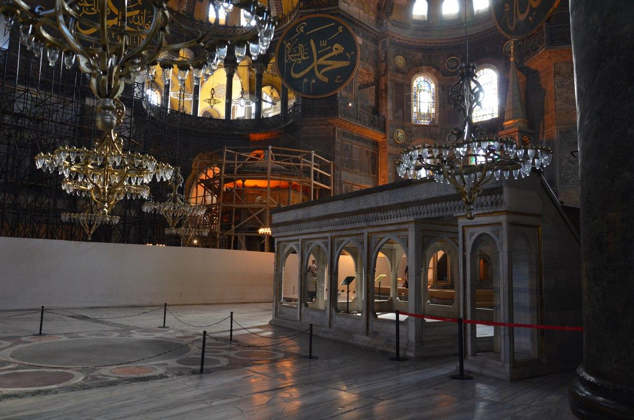 Nc0YPqG_yYA Айя-София - главная достопримечательность Стамбула.
