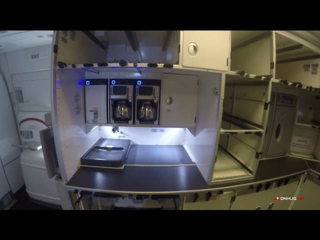 4K B777-300ER SWISS : Rear Y Cabin and Galley