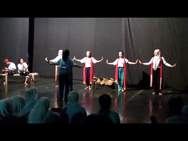 28 OSPEK STKW 2016 presentasi pentas seni kelompok TRI BUANA TUNGGA DEWI