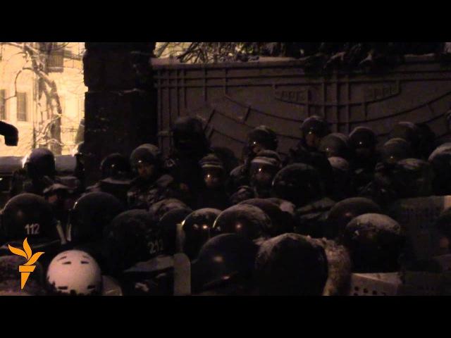9 декабря 2013 Киев евромайдан Внутрішні війська не можуть впоратися з обов'язками