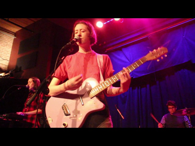 Frankie Cosmos - Embody (Live at High Noon Saloon)