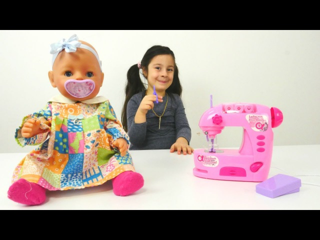 Eğiticivideo. Dila Nisa bebek Melisa için elbise dikiyor. kuklaoyunu