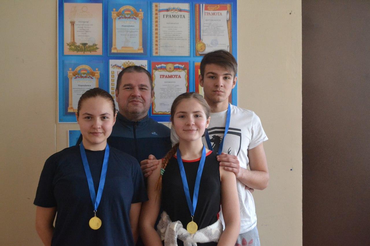 Серебро и бронза на турнире по греко римской борьбе среди юношей 13 15 лет, фото Коломна Спорт