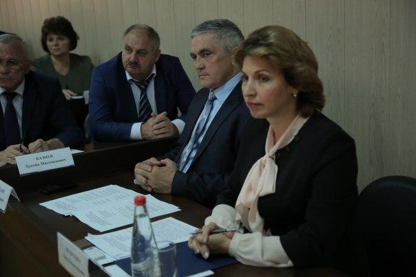 В Карачаево-Черкесии обсудили готовность субъекта к проведению итоговой аттестации школьников