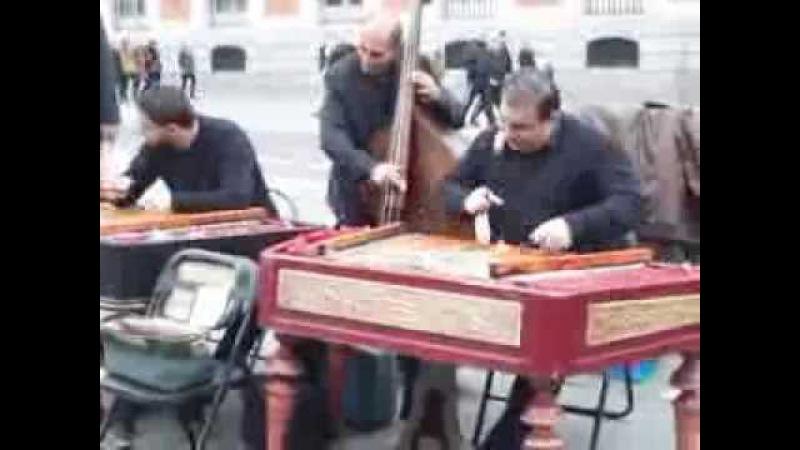 Tambal in plaza del Sol-Madrid...Maryo si Stefan Fieraru...