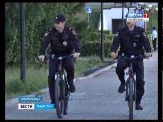 Полицейские Альметьевска начали патрулировать город на велосипедах