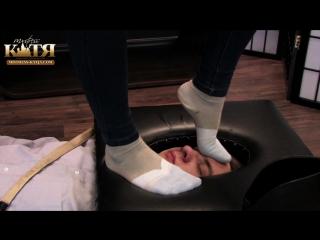 Трамплинг лица #femdom #foot #fetish #trampling #facesitting #piss #scat #footjob #ballbusting #farting #spitting #socks #coons