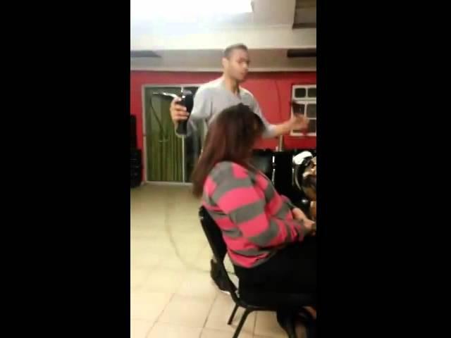 Танцующий парикмахер Zumba