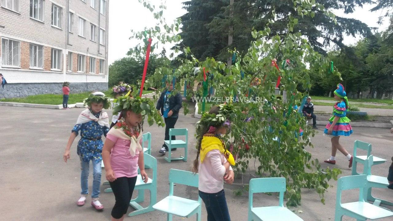 Школьников станицы Зеленчукской познакомили с праздником «Троицы»