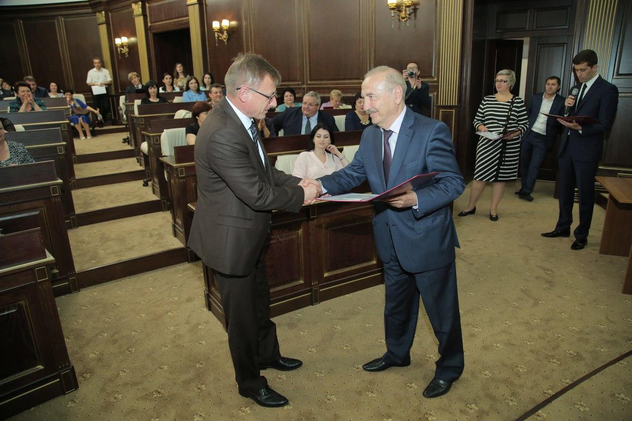 Врачи из Зеленчукского района были удостоены Почетных званий федерального значения