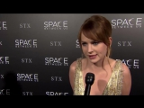 Britt Robertson Interview The Space Between Us L.A. Premiere (HD)