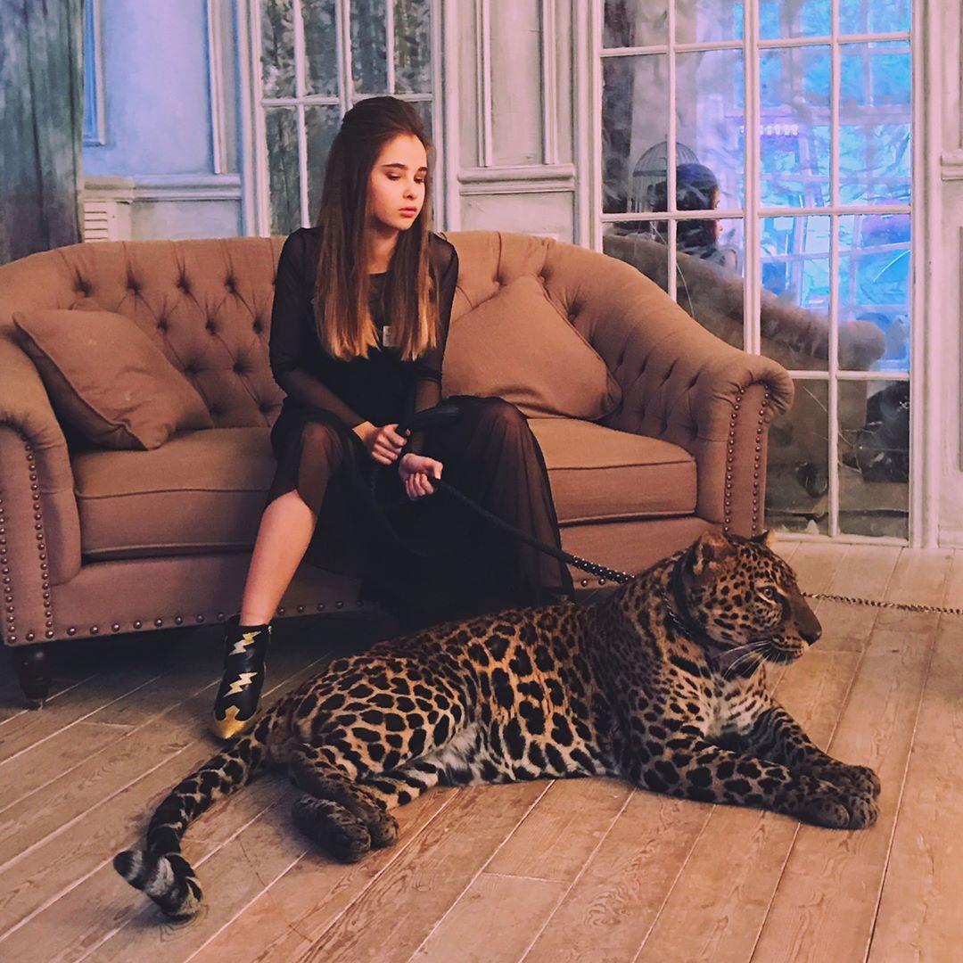 Alexandra Abrameytseva -RUdjFX3vV0