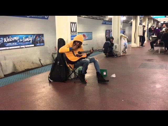 Subway performer stuns crowd with Fleetwood Mac's Landslide- Chicago, Il- Blue Line, Washington S