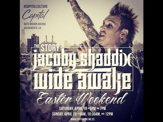 Jacoby Shaddix of Papa Roach singing worship