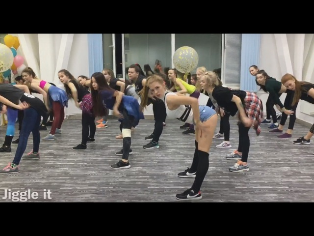 Dancehall workshop by Polina Dubkova (Khanty-Mansiysk 2017)   Vybz Kartel -BICYCLE RIDE (soca remix)