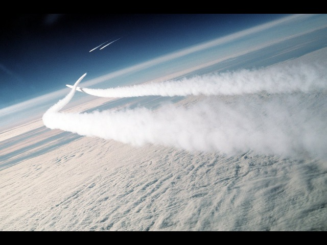 Chemtrails Evasive Action! Must SEE!!