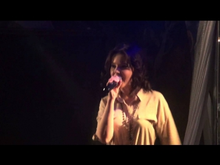 Певица Анетта -