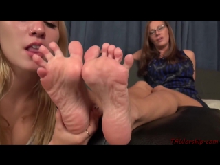Lacey channing watches a porn movie and recreates it live 10