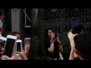 [FANCAM] 160725 Енджэ у здания JYP Ent