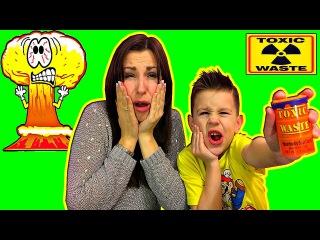Экстремальный ЧЕЛЛЕНДЖ ТОКСИЧНЫЕ конфеты Toxic Waste ! Challenge candies Toxic Waste