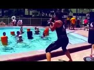 Water Thai Fit - Aqua kick boxing bags and fitness formats.