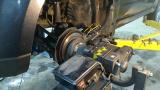 Процесс проточки тормозного диска без снятия с автомобиля
