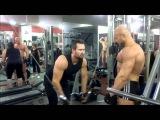 Упражнения для груди: жим гантелей лёжа и сведение рук в кроссовере. Тренировка для грудных мышц