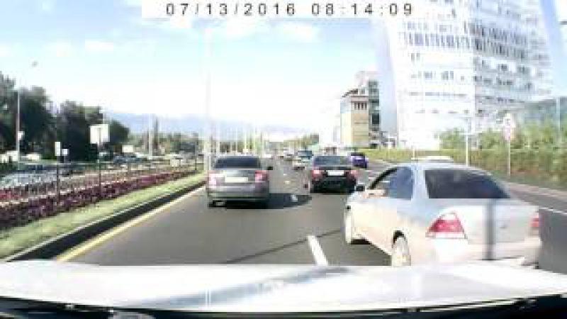 БЫДЛО-ДЕБИЛ на дорогах Алматы..247 UOA/05