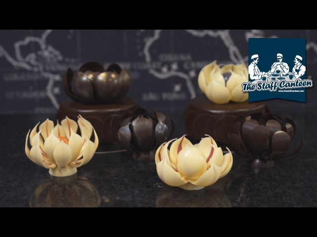 Mark Tilling How to make chocolate flower decorations for cakes and centerpieces