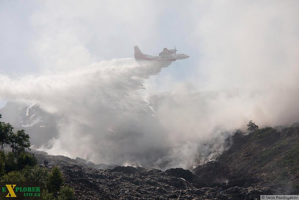 Турция готова направить в Украину самолет для тушения пожара на свалке подо Львовом, - Порошенко - Цензор.НЕТ 1199