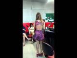 Aricia Silva dançando forró