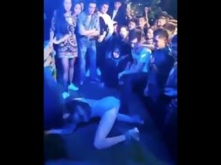 Смотреть видео девушек на дискотеках оголились 0 фотография
