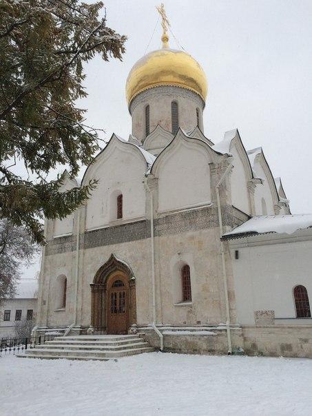Рождественский собор Саввино-Сторожевского монастыря - один из