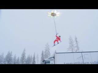 Гигантский дрон, способный поднять человека