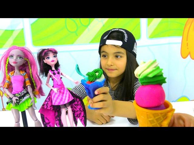 Play Doh Dondurma Dükkanı Oyun Hamuru Monster High bebekler tatlı yiyor Play Doh videoları