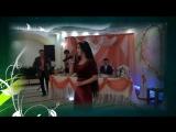 Девочка поет песню очень красива на свадьбе о маме!!!!!!