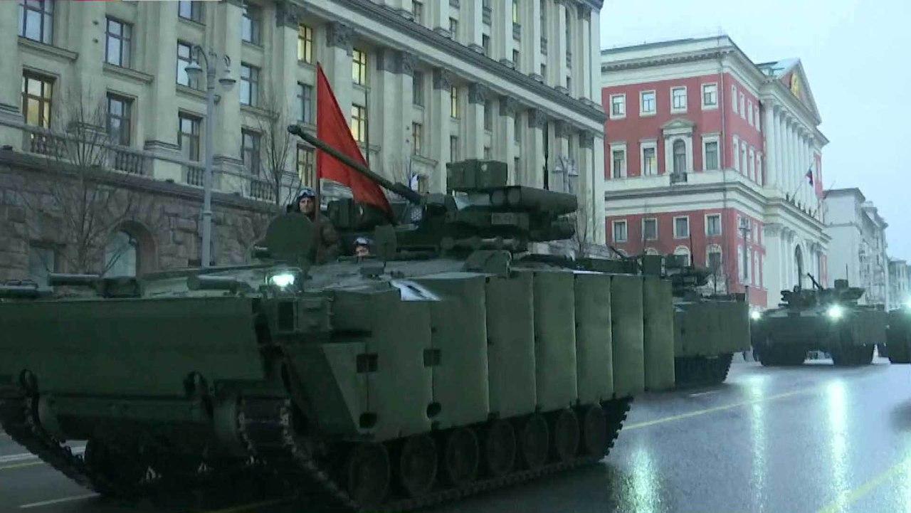 Orosz szárazföldi erők - Page 9 IG7mTT-Aepw