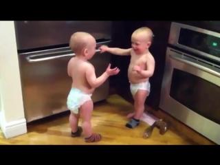 Разговор двух малышей