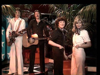 TOPPOP: Brotherhood Of Man - Oh Boy (The Mood I'm In)