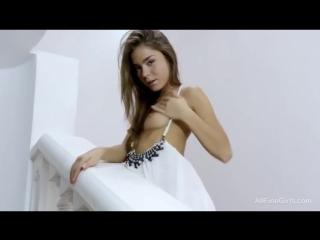 украинка ласкает себя порно