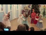 Танец девочек с муфтами