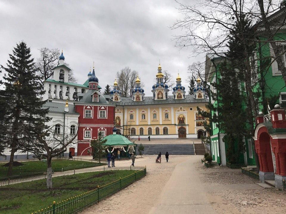 Псково-Печорский монастырь. Печоры.