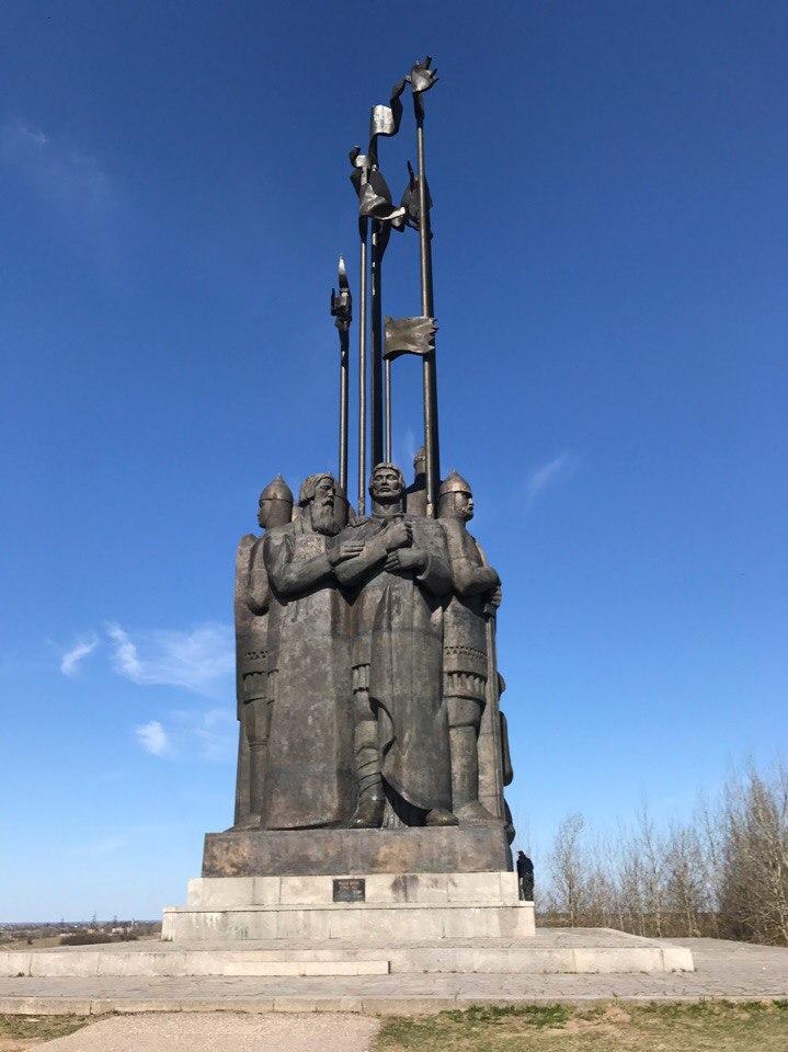 Монумент Ледовое Побоище. Псков.