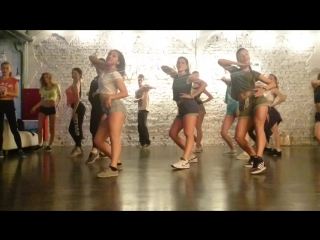 Enrique Iglesias - Duele El Corazon/ reggaeton choreography by Lesssi ❤