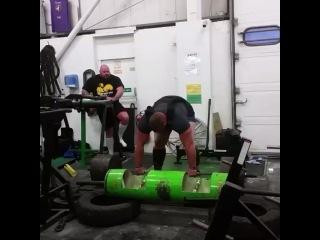 """I Love Powerlifting on Instagram: """"Британский стронгмен Терри Холландс тянет в экипировке 420 кг. Собственный вес не превышает 170 кг."""""""