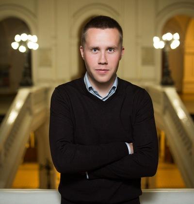 Максим Пашоликов