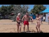 Женская борьба на пляже