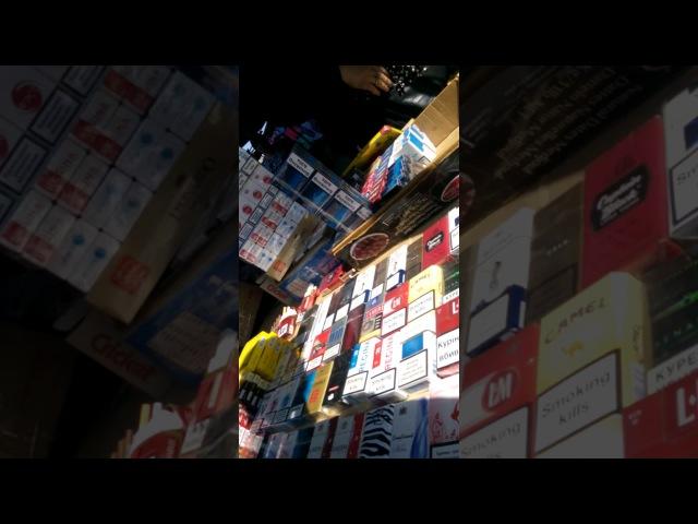 Продажа контрабандных сигарет на Привозе